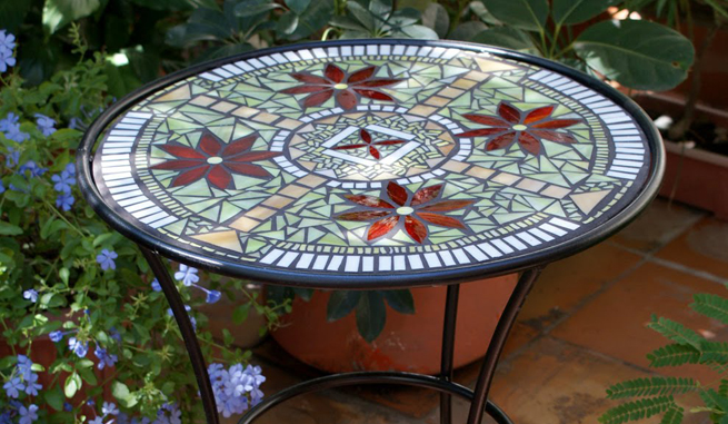 Consejos para restaurar una mesa de jardn con mosaicos